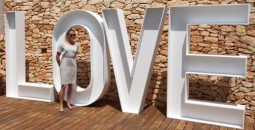 LOVE Sign 2m high