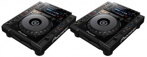 2 x Pioneer CDJ900